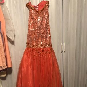 Dresses & Skirts - Prom or pageant gown